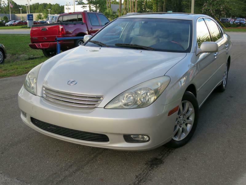 2004 Lexus ES 330 for sale at Deal Maker of Gainesville in Gainesville FL
