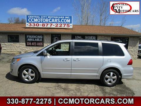 2011 Volkswagen Routan for sale in Hartville, OH