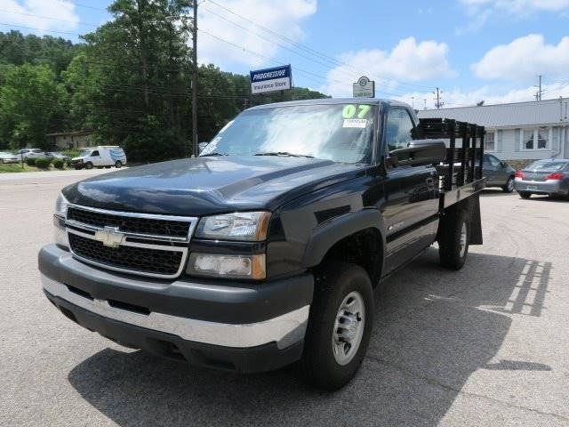 2007 Chevrolet Silverado 2500HD for sale at CROSSROADS AUTO SALES INC. in Alabaster AL