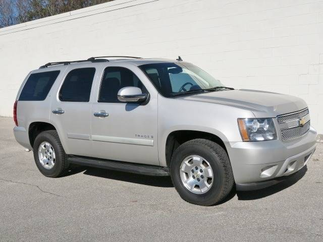 2008 Chevrolet Tahoe for sale at CROSSROADS AUTO SALES INC. in Alabaster AL