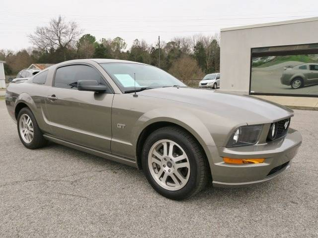 2005 Ford Mustang for sale at CROSSROADS AUTO SALES INC. in Alabaster AL