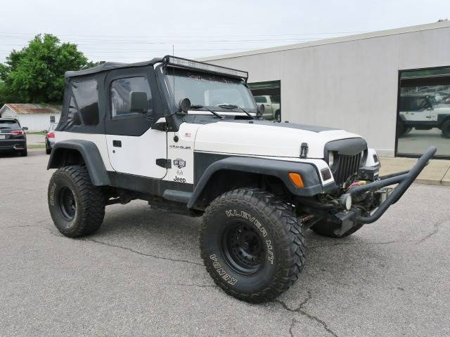 2000 Jeep Wrangler for sale at CROSSROADS AUTO SALES INC. in Alabaster AL