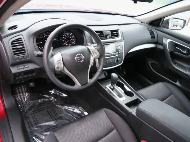 2016 Nissan Altima for sale at CROSSROADS AUTO SALES INC. in Alabaster AL