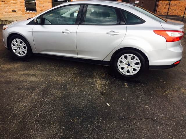 2014 Ford Focus SE 4dr Sedan - Dearborn Heights MI