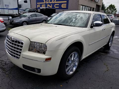 2010 Chrysler 300 for sale in Dearborn Heights, MI