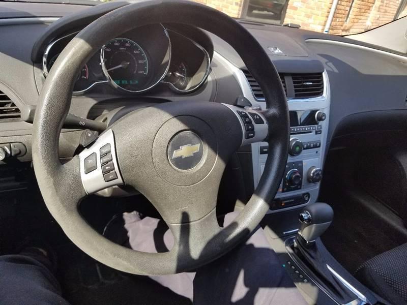 2010 Chevrolet Malibu LT 4dr Sedan w/1LT - Dearborn Heights MI