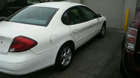 2002 Ford Taurus for sale at Charles Baker Jeep Honda in Norfolk VA