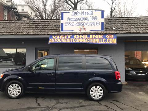 2013 Dodge Grand Caravan for sale at Auto Credit Connection LLC in Uniontown PA
