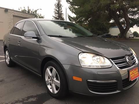 2009 Volkswagen Jetta for sale at APOLLO AUTO SALES in Sacramento CA