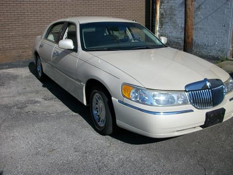 1999 Lincoln Town Car for sale in Dayton, OH