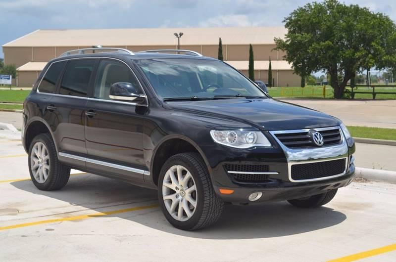 2010 Volkswagen Touareg for sale at TEXAS SHOWCASE in Houston TX