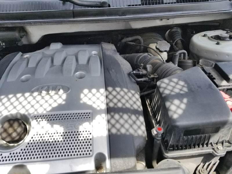 2004 Kia Sedona for sale at Discount Motors Inc in Nashville TN