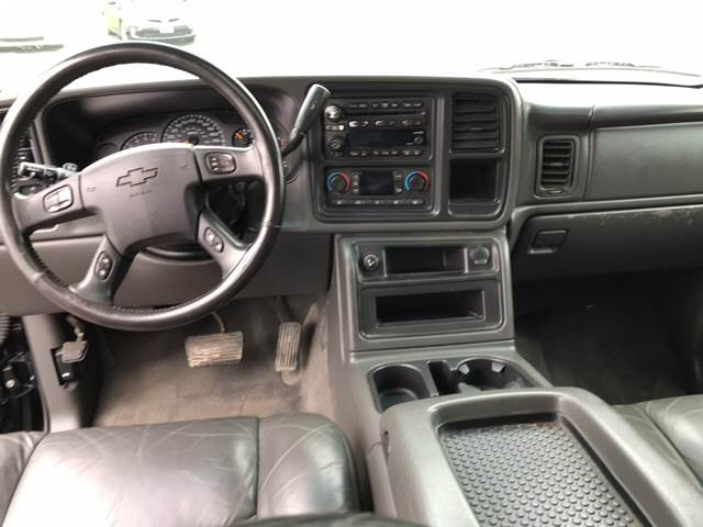 2004 Chevrolet Avalanche for sale at CERTIFIED AUTO SALES in Le Roy NY