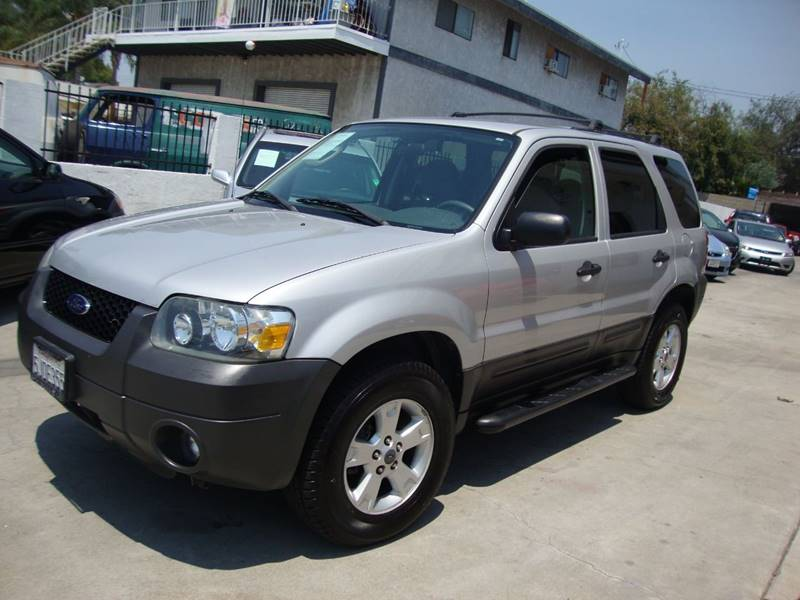 2005 Ford Escape for sale at Car Tech USA in Whittier CA
