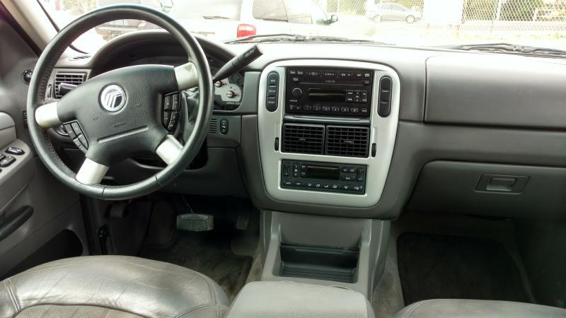 2002 Mercury Mountaineer for sale at AUGE'S SALES AND SERVICE in Belen NM