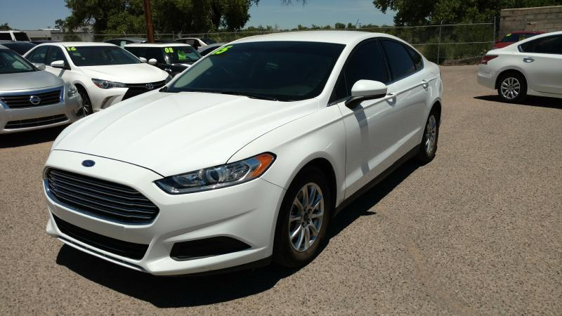 2015 Ford Fusion for sale at AUGE'S SALES AND SERVICE in Belen NM