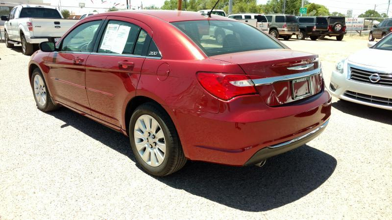 2014 Chrysler 200 for sale at AUGE'S SALES AND SERVICE in Belen NM