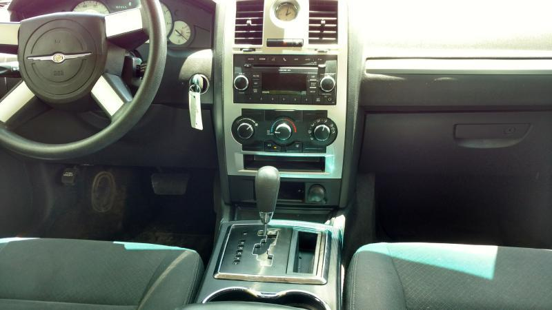 2010 Chrysler 300 for sale at AUGE'S SALES AND SERVICE in Belen NM