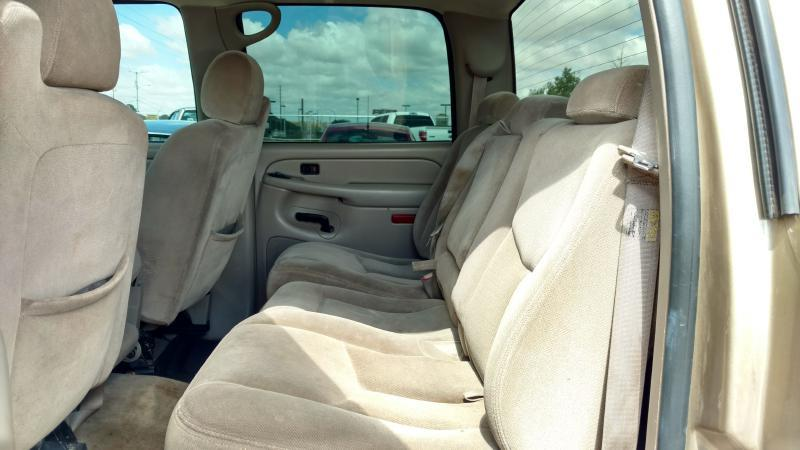 2004 GMC Sierra 2500HD for sale at AUGE'S SALES AND SERVICE in Belen NM