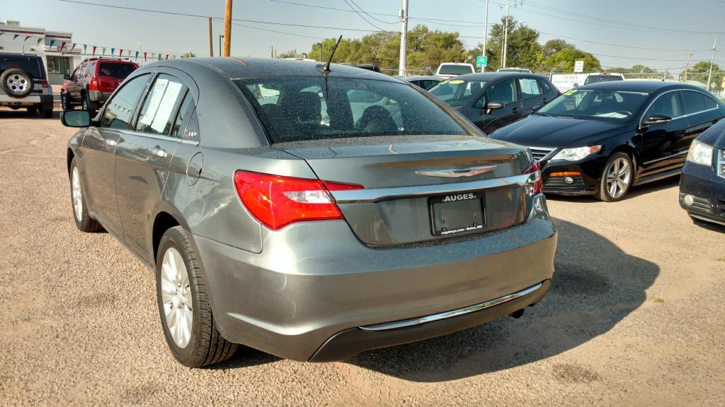 2012 Chrysler 200 for sale at AUGE'S SALES AND SERVICE in Belen NM