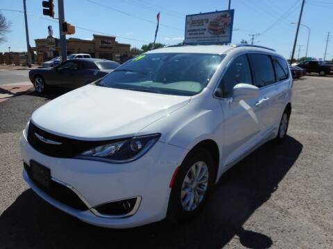 2019 Chrysler Pacifica for sale at AUGE'S SALES AND SERVICE in Belen NM