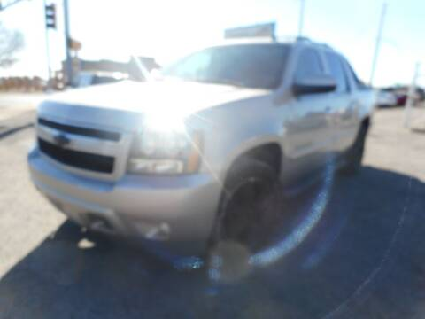 2007 Chevrolet Avalanche for sale at AUGE'S SALES AND SERVICE in Belen NM