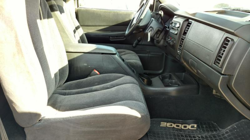 2002 Dodge Dakota for sale at AUGE'S SALES AND SERVICE in Belen NM