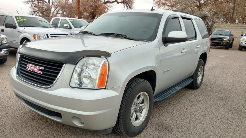2011 GMC Yukon for sale at AUGE'S SALES AND SERVICE in Belen NM