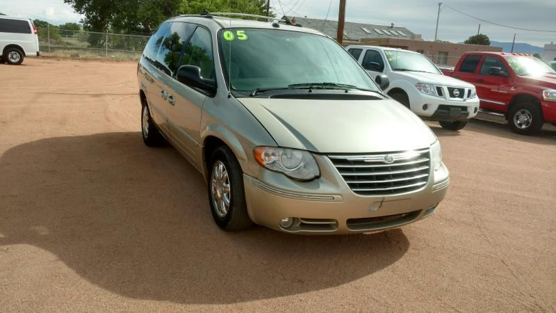 2005 Chrysler Town and Country for sale at AUGE'S SALES AND SERVICE in Belen NM