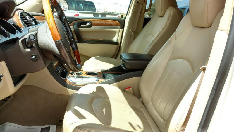 2010 Buick Enclave for sale at AUGE'S SALES AND SERVICE in Belen NM