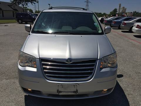 2010 Chrysler Town and Country for sale at Santos Motors in Lewisville TX