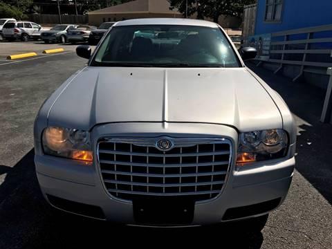 2007 Chrysler 300 for sale at Santos Motors in Lewisville TX