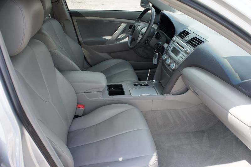2007 Toyota Camry for sale at Santos Motors in Lewisville TX