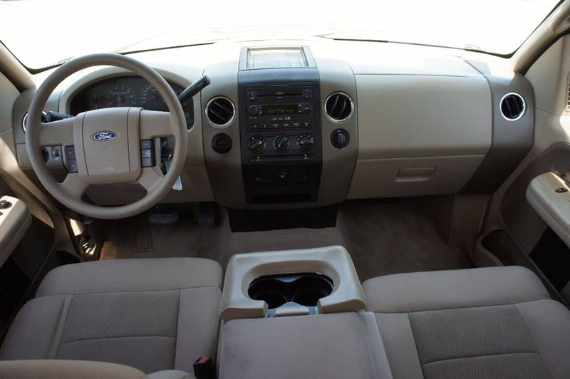 2004 Ford F-150 for sale at Santos Motors in Lewisville TX