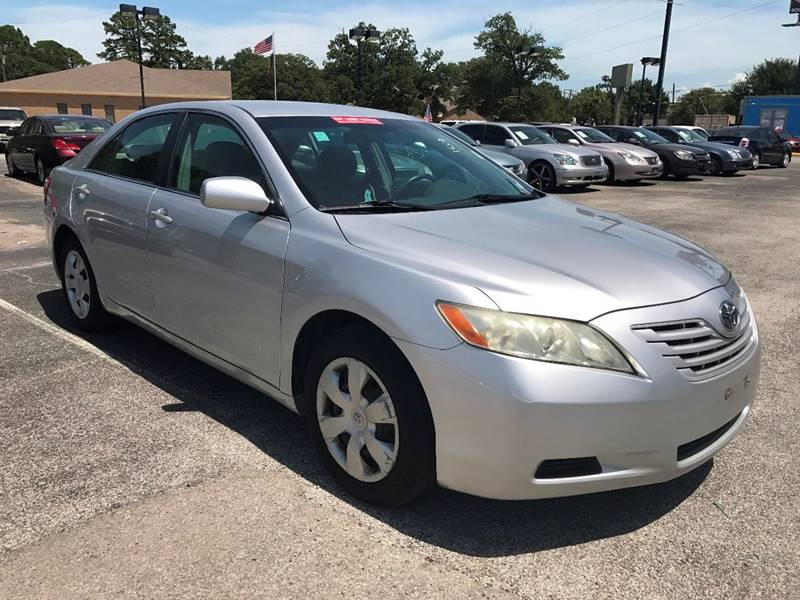 2009 Toyota Camry for sale at Santos Motors in Lewisville TX