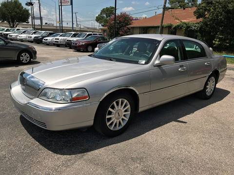 2007 Lincoln Town Car for sale at Santos Motors in Lewisville TX