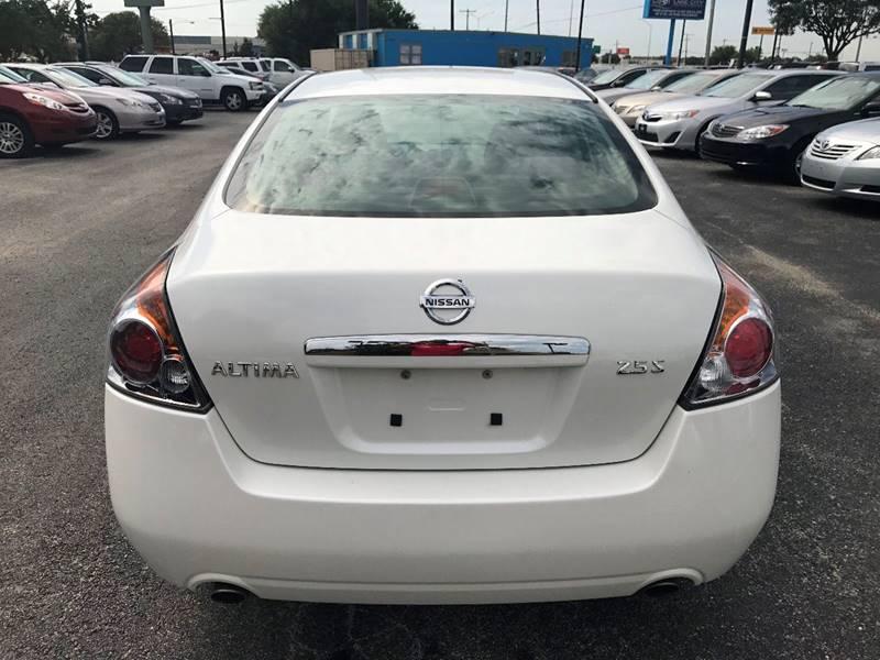 2008 Nissan Altima for sale at Santos Motors in Lewisville TX