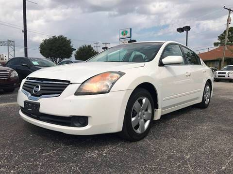 2008 Nissan Altima for sale at Santos Motors in Lewisville TX