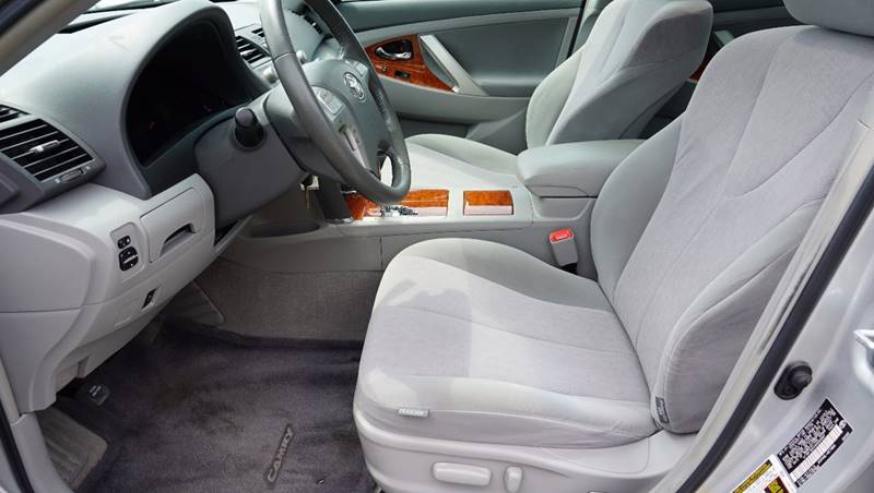 2010 Toyota Camry for sale at Santos Motors in Lewisville TX