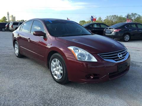 2011 Nissan Altima for sale at Santos Motors in Lewisville TX