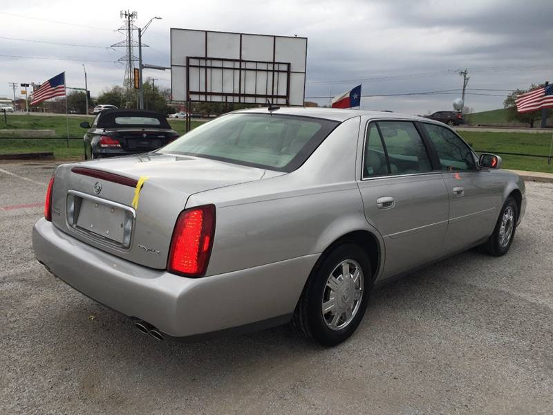 2005 Cadillac DeVille for sale at Santos Motors in Lewisville TX