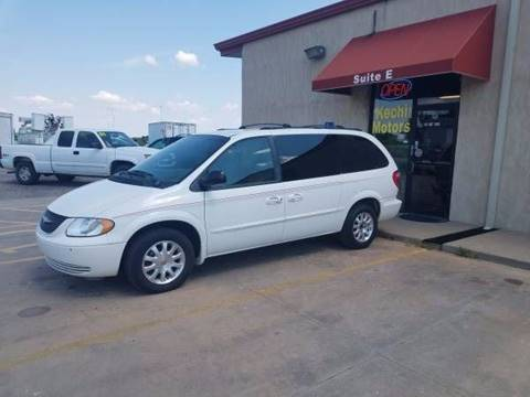 2002 Chrysler Town and Country for sale in Kechi, KS