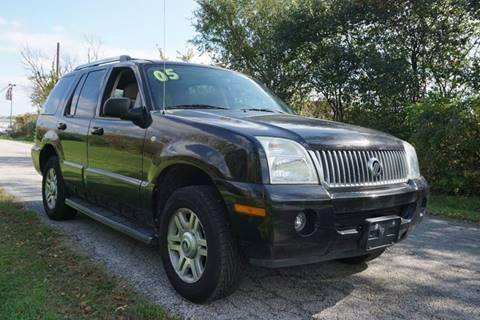 2005 Mercury Mountaineer for sale in Country Club Hills, IL
