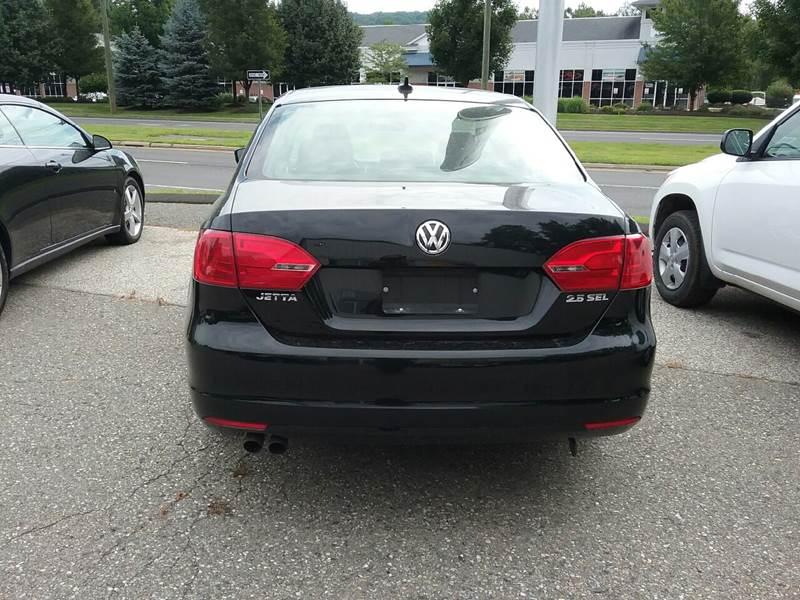2012 Volkswagen Jetta SEL 4dr Sedan 5M - New Milford CT