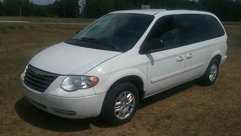 2005 Chrysler Town and Country for sale at Expressway Auto Auction in Howard City MI