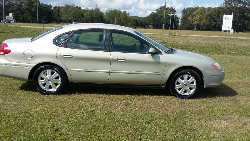 2007 Ford Taurus for sale at Expressway Auto Auction in Howard City MI