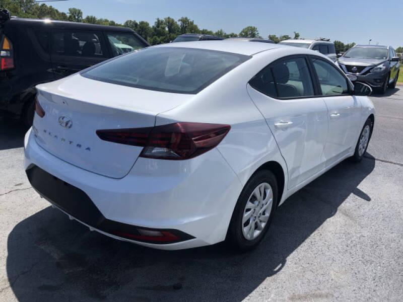 2019 Hyundai Elantra SE - Dyersburg TN