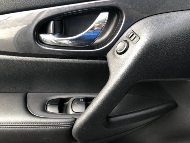 2017 Nissan Rogue SV - Dyersburg TN
