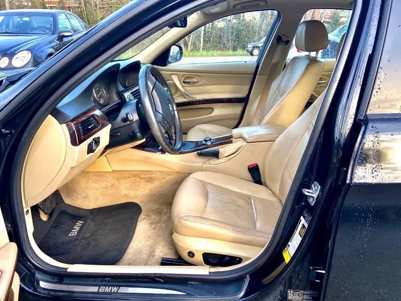 2011 BMW 3 Series 328i (image 12)