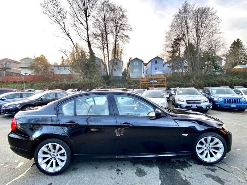 2011 BMW 3 Series 328i (image 7)